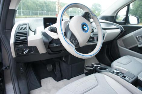 BMW_i3_(30_of_50)_610x405